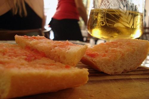 Pan con tomaca