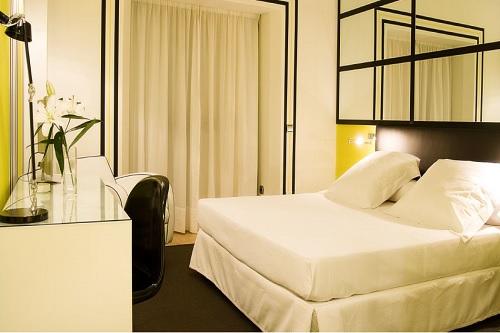 Room Mate Larios 4